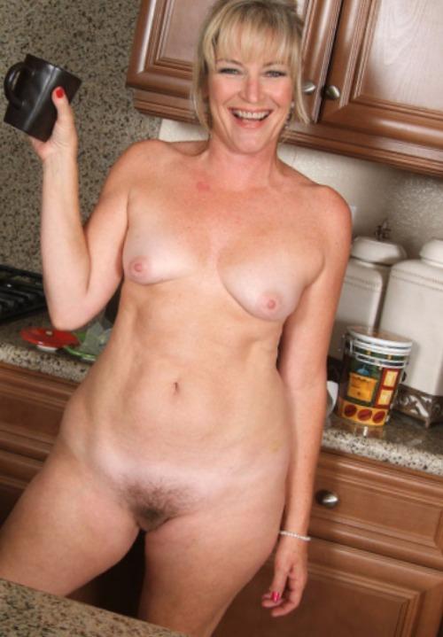 SexyDarla (55) uit Friesland