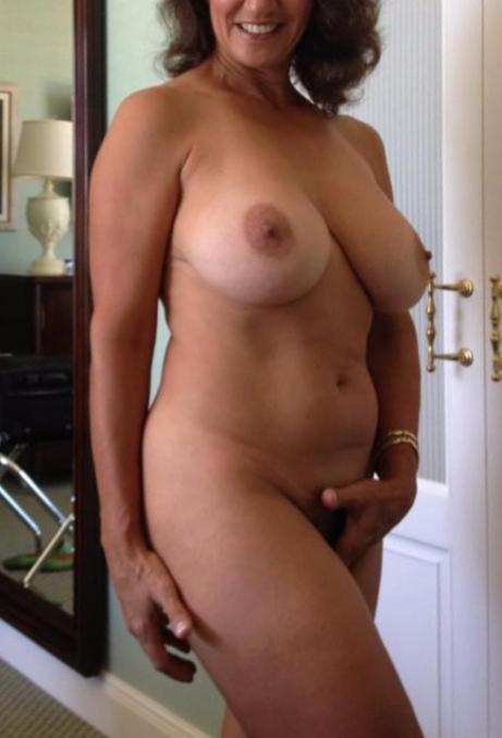 LoveYvette (54) uit Brussels
